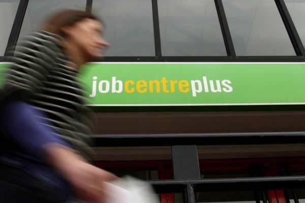 Η Ε.Ε. θα διαθέσει 1 δισ. ευρώ για απασχόληση νέων ανέργων